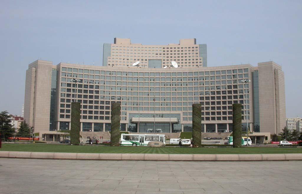 青岛市政府大楼-中国建筑工程鲁班奖     公共建筑,面积72000平方米